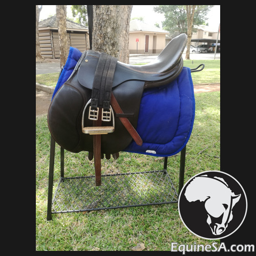 17.5 in Nautical Saddle